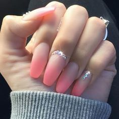Beautiful pink nails… – Highly sensitive information and ugly truths about toe and nail fungus… Magic Nails, Gem Nails, Super Cute Nails, Pretty Nails, Pastel Pink Nails, Best Acrylic Nails, Acrylic Gems, Fire Nails, Nail Jewelry