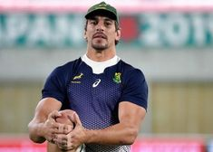 The alleged racist attack of a rugby figure on a beggar shakes South Africa Fitness & Diets : Move it Or Lose It source for fitness Motivation & News Eben Etzebeth, Fitness Diet, Fitness Motivation, Africa News, Rugby Men, Diet Inspiration, Man Crush, World Cup, Diets