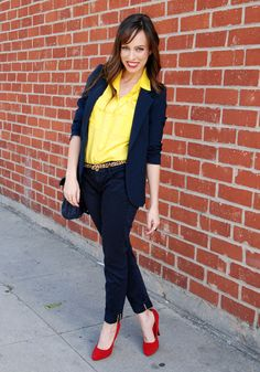 What to wear to the office casual Fridays navy jeans blazer yellow blouse.If only I could find navy jeans tho Summer Work Outfits, Office Outfits, Casual Outfits, Fashion Outfits, Blazer Jeans, Navy Jeans, Yellow Blouse, Yellow Shirts, Red Blouses