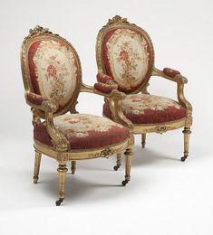 A Napoleon III carved giltwood salon suite