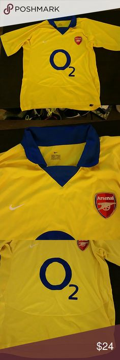 Nike Arsenal Jersey Men's Medium Good condition. Please feel free to message any questions or request more pictures. Thanks for looking.  Have a nice day. Tracy Nike Shirts Tees - Short Sleeve