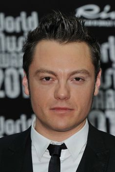 Tiziano Ferro Photos: World Music Awards 2010 - Arrivals