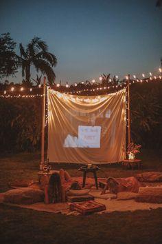 DIY Backyard Movie Night with Spell & The Gypsy Collective and Backyard Movie Party, Backyard Movie Nights, Outdoor Movie Nights, Outdoor Movie Party, Backyard Birthday, 21st Birthday, Outside Movie, Christmas Movie Night, Backyard Camping