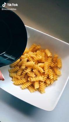 Microwave Recipes, Cooking Recipes, Easy Snacks, Easy Meals, Aesthetic Food, Diy Food, Yummy Food, Tasty, Food Hacks