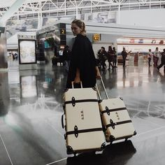 Sofia Sanchez (aka. Chufy) travels in style with Globetrotter | Photo Credit: chufy