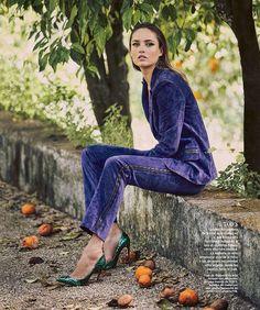 Karmen Pedaru | Harper's Bazaar Espanha Agosto 2016 | Editoriais - Revistas de Moda