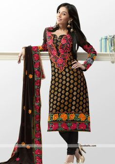 Enhance you beauty with this black shade designer salwar kameez. Brocade kameez beautified with floral embroidered neck and hem. Heavy embroidered dupatta gives it rich look. It will look good for evening parties. Click here to buy this partywear salwar kameez: http://goodbells.com/salwar-suits/elegant-black-heavy-embroidered-shalwar-kameez.html?utm_source=pinterest_medium=link_campaign=pin10julyR31P15