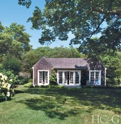On a remote corner of Shelter Island, architect Steve Schappacher and designer Rhea White make a live-work fantasy come to life. Lake Cottage, Garden Cottage, Cozy Cottage, Cottage Ideas, Shelter Island, Cottage Exterior, French Country Cottage, Beach Cottages, Country Cottages
