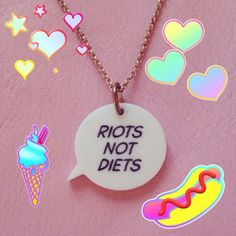 We loved trying out Bleach London's fun new app with this cute Speech Bubble Necklace!