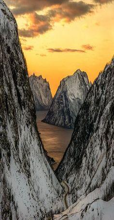 Kaperskaret, Senja, Troms in Northern Norway #quelle: 500px - Cato Olsen