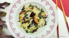 Fideos de arroz con hojas de shiso y salteado de verduras