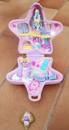 Polly Pocket World, All Toys, 90s Kids, Kawaii Cute, Toy Boxes, Toddler Toys, Vintage Toys, Childhood Memories, Minis