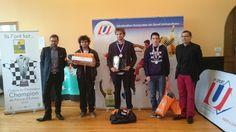 Ce week end s'est déroulé le championnat Universitaire d'échecs à Châlons-en-Champagne. C'est le Maître International Adrien Demuth qui l'emporte. Noémie Haller est championne de France universitaire. Le titre par équipe revient à l'Université de Strasbourg, qui participera au 1er championnat d'Europe universitaire du 6 au 10 octobre 2015 à Yerevan en Arménie ! http://www.echecs.asso.fr/Actu.aspx?Ref=8538