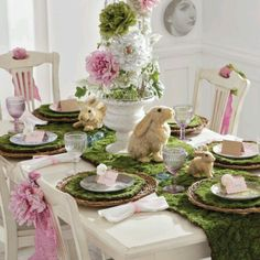 ⌺ Splendid Table Settings ⌺ Happy Easter Dinner table top design, pink and green Easter Table Settings, Easter Table Decorations, Decoration Table, Easter Decor, Easter Ideas, Easter Centerpiece, Valentine Decorations, Easter Parade, Deco Floral