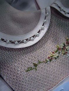 Interesting collar treatment from classic Martha Pullen Newsletter