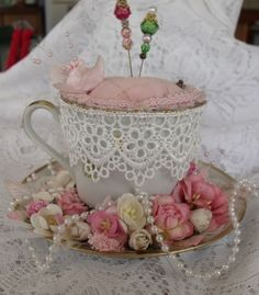Pincushion in a Teacup / ALYAMİNA: Do It Yourself ~ This is stunning!