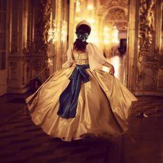 Anastasia (I know not a disney) Anastasia Romanov, Film Anastasia, Anastasia Cosplay, Disney Anastasia, Anastasia Broadway, Anastasia Musical, Anastasia Dress, Backless Homecoming Dresses, Princess Aesthetic