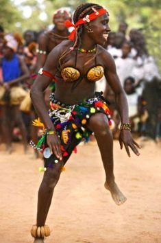 dancer, in Guinea Bissau African Life, African Culture, African Women, Game Costumes, Costume Ideas, Fairy Costumes, Fantasy Costumes, Black Dancers, African Dance