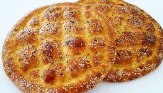 Ramazan ayının yaklaştığı şu günlerde iftar sofraları ve sahur için ne pişireceğimizi neler yapacağımızı düşünmeye başladık. Sofraların olmazsa olmazı Ramazan pidesi de elbette baş köşede yerini alacak. Fakat bu Ramazan bir farkla Ramazan pidesi yiyeceğiz. Artık fırınlarda kuyruk bekleyip pide almıyoruz, pidemizi evimizde yapıyoruz hanımlar. Iftar, Apple Pie, Bread, Fruit, Vegetables, Breakfast, Desserts, Aspirin, Food