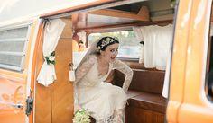 5 carros de noivos diferentes. #casamento #transporte #carrodosnoivos #carrinhapaodeforma