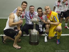 Sport Club Corinthians Paulista - Celebrating with the Trophy