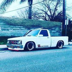 old trucks chevy Small Trucks, Mini Trucks, Gm Trucks, Cool Trucks, Custom Chevy Trucks, Classic Chevy Trucks, Chevrolet Trucks, Classic Cars, S10 Truck