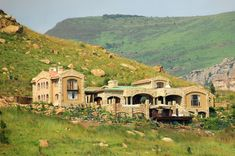 Wild Horses Mountain Lodge - Sterkfontein Dam – Clarens News Midland Meander, Unique Wedding Venues, Nature Reserve, Wild Horses, Golden Gate, Lodges, South Africa, National Parks, Scenery