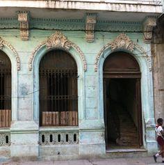 Annie Sloan • Paint & Colour--Annie Sloan outside? Can I please paint an entire house Louis Blue?