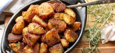 These meal potatoes amplify the fresh to-smooth differentiation in each piece of potato. We've tried and retested each factor, from slice size to potato type to bubbling and cooking strategies. Crispy Roast Potatoes, Roasted Potatoes, Healthy Nutrition, Healthy Recipes, Great Roasts, Types Of Potatoes, Bad Carbohydrates, Food Lab, Potato Recipes