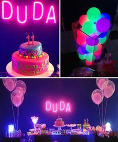 A Festa Neon não é exatamente temática, pois você pode somar usar esta ideia com vários temas. Ela é mais utilizada para festas de crianç...