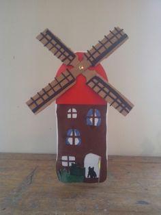 Lampion Arts And Crafts, Paper Crafts, Handicraft, Gnomes, Holland, Triangle, November, Dolls, Halloween