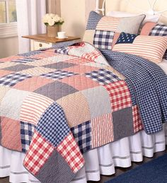 Set a patriotic mood for a bedroom with our Americana Cotton Full/Queen Patchwork Quilt. Patriotic Bedroom, Americana Bedroom, Big Block Quilts, Quilt Block Patterns, Quilt Bedding, Bedding Sets, Bedroom Bed, Furniture Sale, Square Quilt