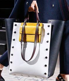 9 Diligent Tips: Hand Bags New York hand bags 2017 winter.Hand Bags For Work Christmas Gifts hand bags diy louis vuitton. Prada, Bags 2017, Louis Vuitton, Celine Bag, New Bag, Beautiful Bags, My Bags, Purses And Handbags, Mk Handbags