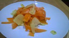 Recipe - carrot & apple salad with orange & cardamom dressing
