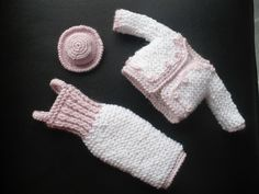 Tailleur Barbie - pretty outfit ~ FREE - KNIT - page to be translated Knitting Dolls Clothes, Crochet Barbie Clothes, Knitted Dolls, Doll Clothes, Crochet Scarf Easy, Cute Crochet, Crochet Toys, Barbie Clothes Patterns, Knitting Accessories