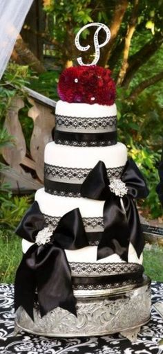 """4 Tier wedding cake (6, 8, 10 and 12"""" rounds)......"""