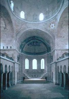 Interior de la iglesia de Santa Irene en Constantinopla, siglo VI.