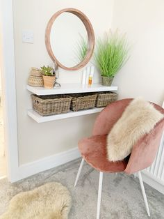 Great Totally Free 40 Amazing Dressing Table Design Ideas To Try Asap Tips Investing in a well-designed couch is really a big choice and not merely one to create lightly. He Source by ikea_diybedroom table ideas Diy Dressing Tables, Dressing Table Design, Small Dressing Table, Dressing Table Shelves, Home Bedroom, Room Decor Bedroom, Living Room Decor, Bedroom Table, Cute Room Decor