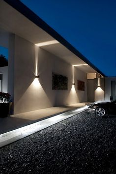 Have you just bought a new or planning to instal landscape lighting on the exsiting house? Are you looking for landscape lighting design ideas for inspiration? I have here expert landscape lighting design ideas you will love. Kitchen Lighting, Home Lighting, Modern Lighting, Lighting Design, Lighting Stores, Lighting System, Facade Lighting, Exterior Lighting, Entrance Lighting