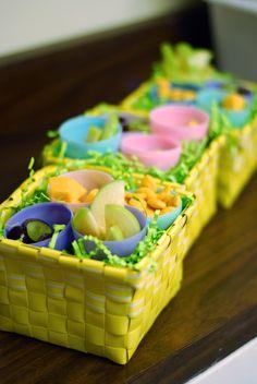 Easter snack idea for kids Easter Snacks, Easter Food, Easter Party, Easter Treats, Easter Recipes, April Easter, Easter Hunt, Passover And Easter, Preschool Snacks