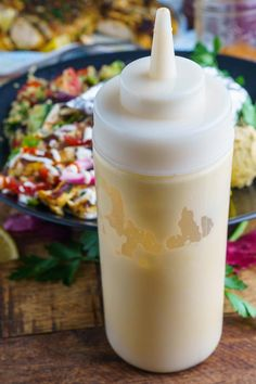 A recipe for Shawarma Sauce : A tasty and easy to make shawarma sauce, aka a garlic yogurt sauce with a hit of tahini and lemon! A tasty and easy to make shawarma sauce, aka a garlic yogurt sauce with a hit of tahini and lemon! Lebanese Recipes, Indian Food Recipes, Israeli Recipes, Shawarma Sauce, Sauce Recipes, Cooking Recipes, Pizza Recipes, Cooking Tips, Diet Recipes