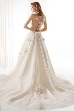 #JIOULI_Bridal  2019 s/s Collection #bridal #bridal_wear #marriage #bride #wedding #wedding_dress www.Jiouli.com Bridal Collection, Marriage, Bride, Boho, Wedding Dresses, Fashion, Rosa Clara, Valentines Day Weddings, Wedding Bride