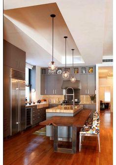 Кухня в цветах: желтый, серый, светло-серый, коричневый. Кухня в стилях: американский стиль.