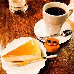 Break time...☕️  #mizumushikun #kyoto #coffee #cheesecake #cake #drink #rest #cafe #sweets #Japan #japanese #alien #character #food #foodie