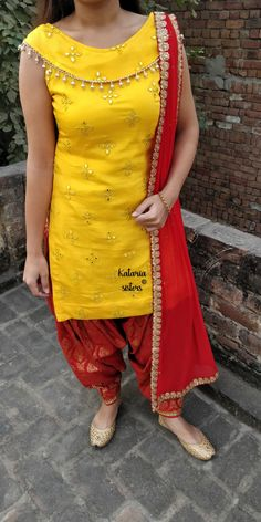 Punjabi Dress Design Of Neck Salwar Designs, Patiala Suit Designs, Kurta Designs Women, Kurti Designs Party Wear, Churidar Neck Designs, Latest Kurti Designs, Salwar Kameez, Punjabi Salwar Suits, Patiala Dress