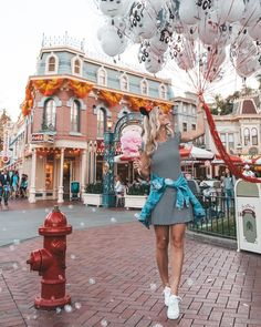 Disney shared by on We Heart It Disney Cute, Disney Day, Disney Girls, Disney Style, Disney Magic, Walt Disney, Disney World Fotos, Disney World Pictures, Disneyland Photos