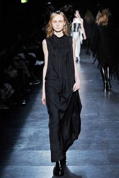 Ann Demeulemeester Fall 2009 Ready-to-Wear Fashion Show - Siri Tollerød