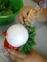 Mauriquices: Não há um bom São João sem um manjerico na mão... Eyfs, Tree Branches, Christmas Bulbs, Crafts For Kids, Art Pieces, Holiday Decor, Party, How To Make, Portugal