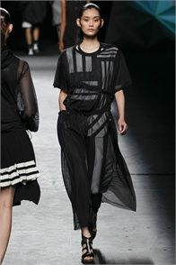 Y-3 - Spring Summer 2013 Ready-To-Wear - Shows - Vogue.it
