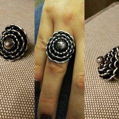 Nuova anello fatta mano con capsule del nespresso.per info e costi non esitate a chiedere! Di spedisce in tutta Italia #anello#homemade#capsule #nespresso#riciclo#riciclocreativo l#recicling #reciclaje #nespressoitalia #nespressomoments #whatelse #intreccio#handmade#jewerly #bijoux #gioiellipersonalizzati #gioielli #gioiellifattiamano #artigianatoitaliano #artigianato#pausacaffe#relax#creativita#facebook#instabijoux#coffee#handmade#instabijoux#instamoda#coccole#donna#instagram